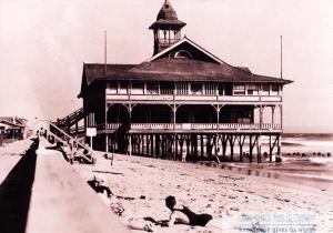 Bathhouse at Alamitos Bay, c1903.