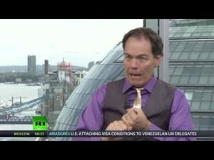Keiser Report: Crimes & Cracks of Capitalism (E500)
