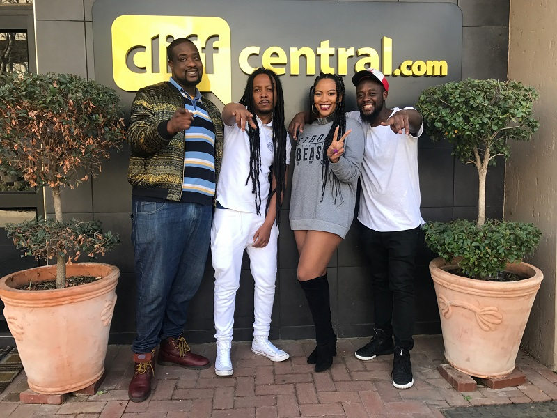 170811cliffcentral_noborders