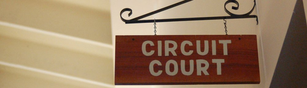 Clinton County Circuit Court Sign