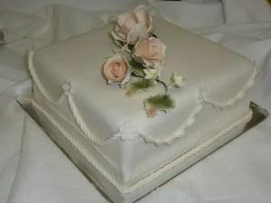 Decoracion torta cuadrada curso Club de Reposteria