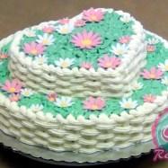 Torta de cumpleaños decorada como canasta de flores por Club de Reposteria