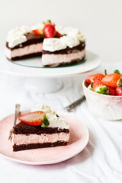 Sturdy Chocolate Strawberry Mousse Cake Kbm Copy Me That Strawberry Mousse Cake Uk Strawberry Mousse Cake Filling Recipe