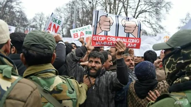 Protests in Kashmir where violence continues to rage, with both India and Pakistan firing mortars