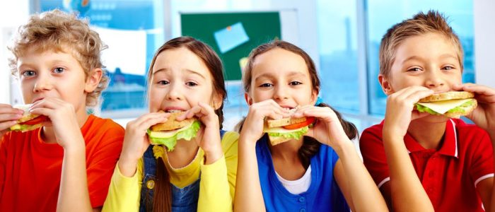 how-to-help-kids-eat-healthy-throughout-the-school-year