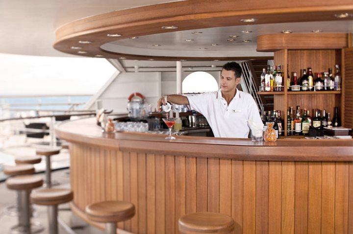 Seabourn-cruises-SkyBar-OSQ_022111