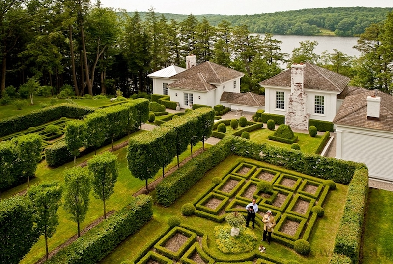 Robert Couturier's Year Round Garden