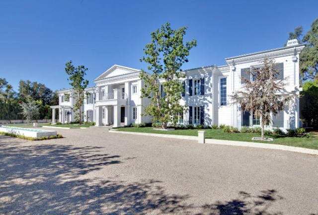 White mansion in Santa Monica listed by Hilton & Hyland