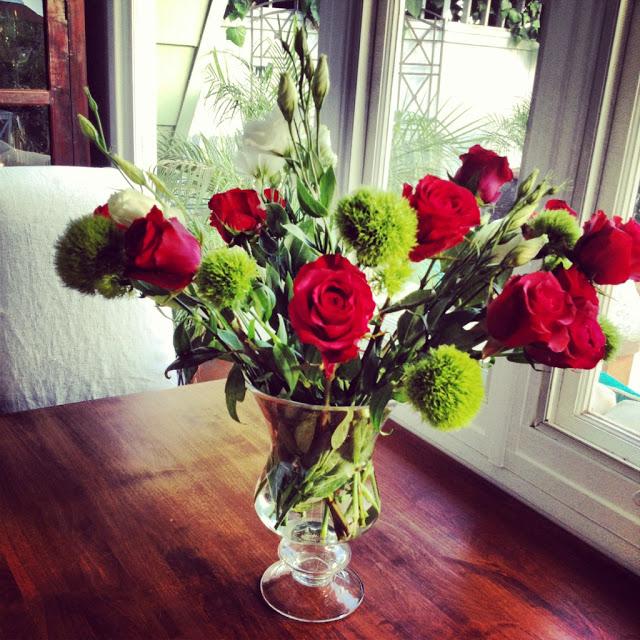 flowers flower roses red dianthus green trick floral arrangement design decor