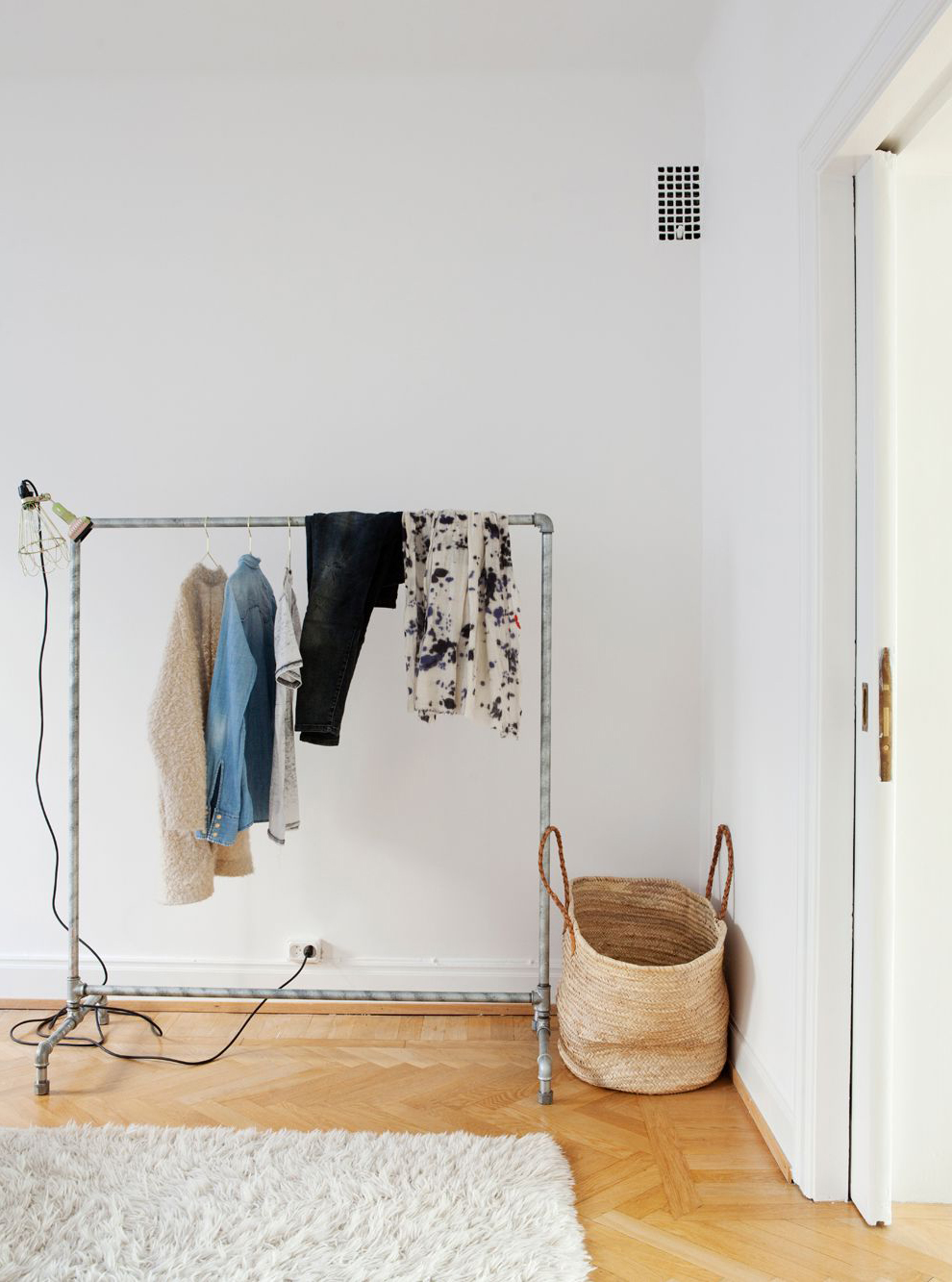 Simple white apartment   coco lapine designcoco lapine design