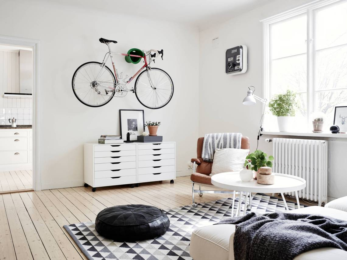 Bike in the living room - COCO LAPINE DESIGNCOCO LAPINE DESIGN