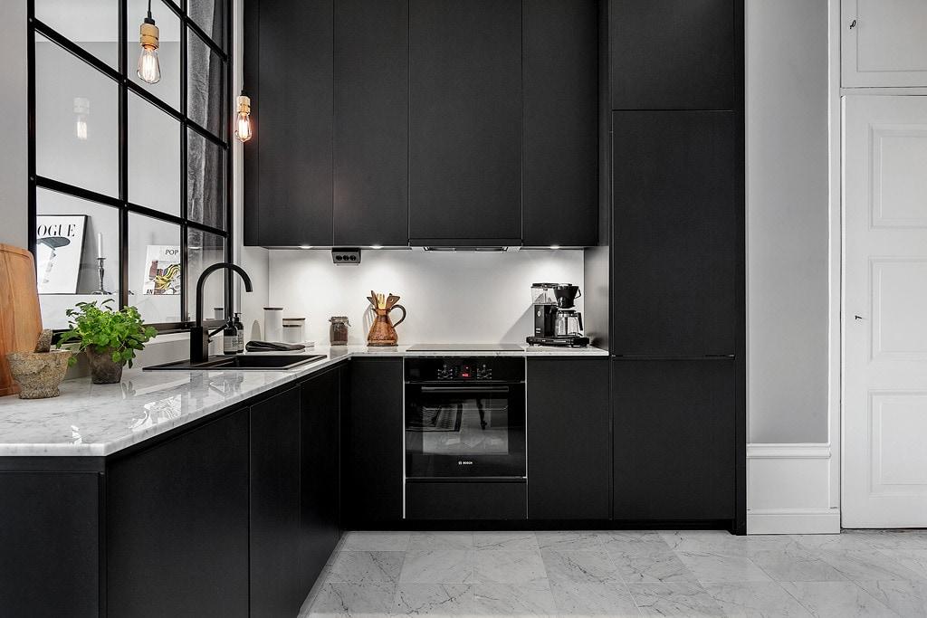 Mat Zwarte Keuken : Interieur inspiratie voor een zwarte keuken u stijlvol