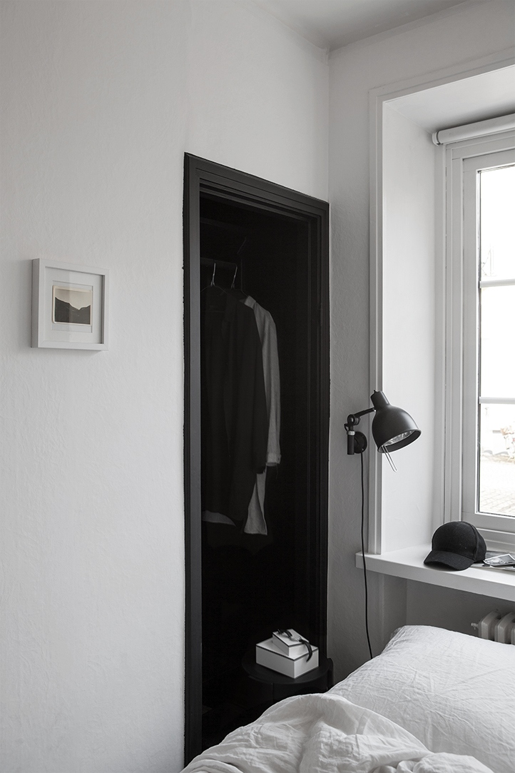 Black paint for extra dimension - via cocolapinedesign.com