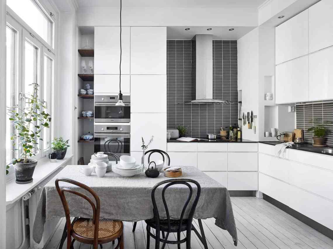 Last century home - via cocolapinedesign.com