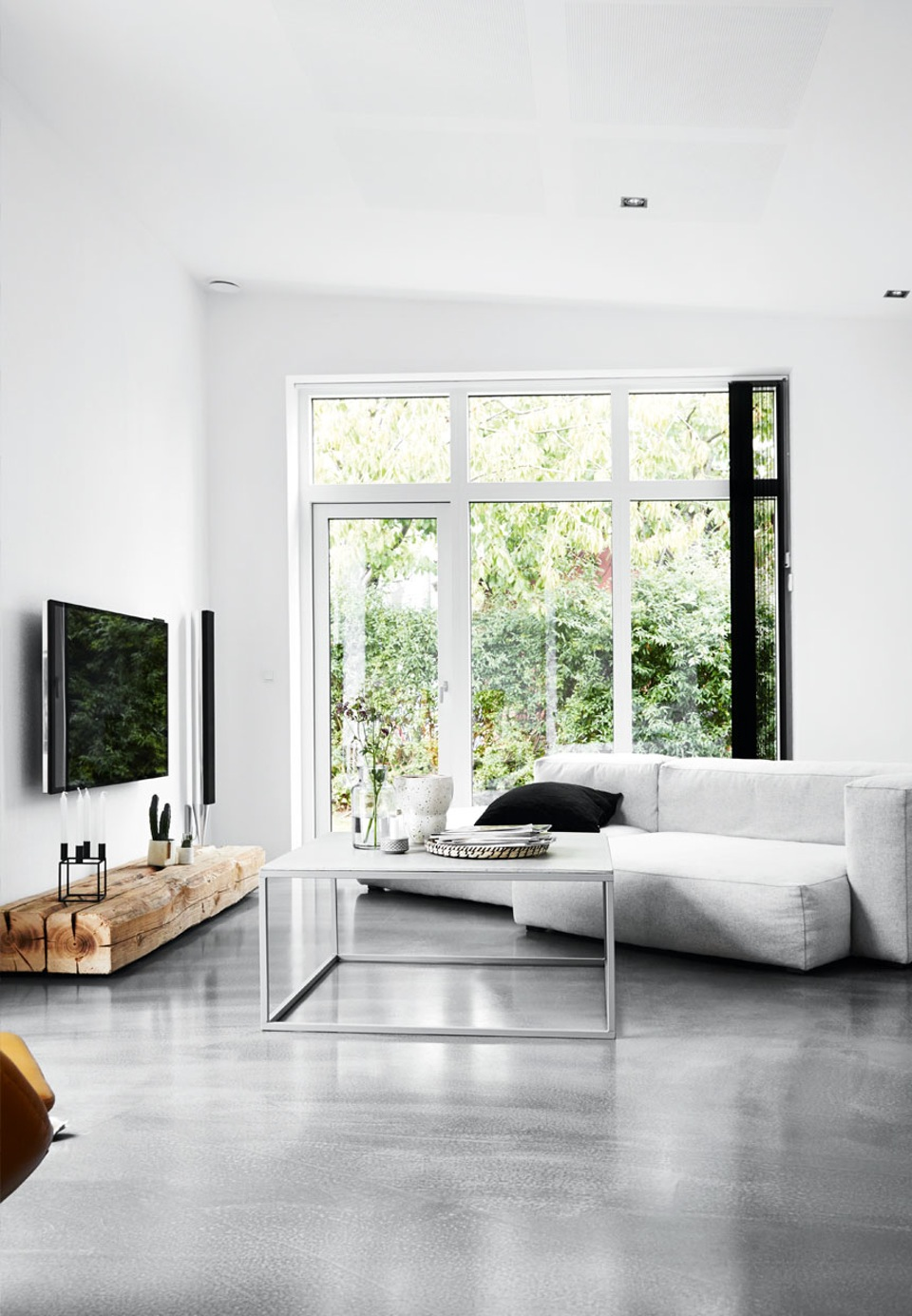 White villa - via cocolapinedesign.com