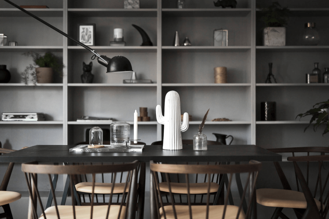 Great Built in shelving - via Coco Lapine Design