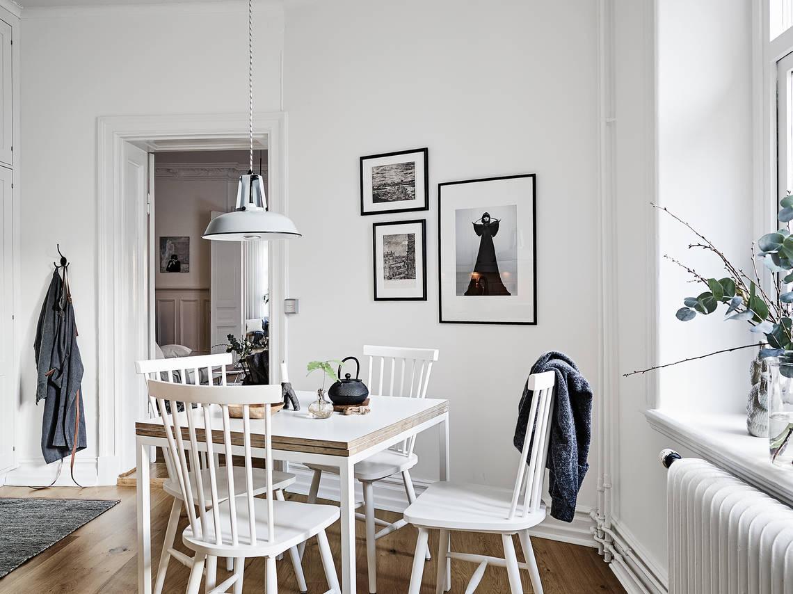 A beautiful wall covering book shelf - via Coco Lapine Design