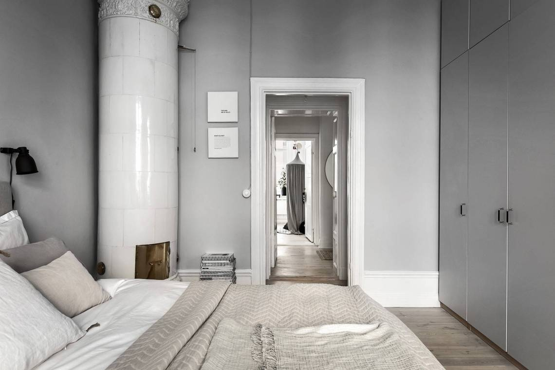 Stylish home in grey - via Coco Lapine Design==
