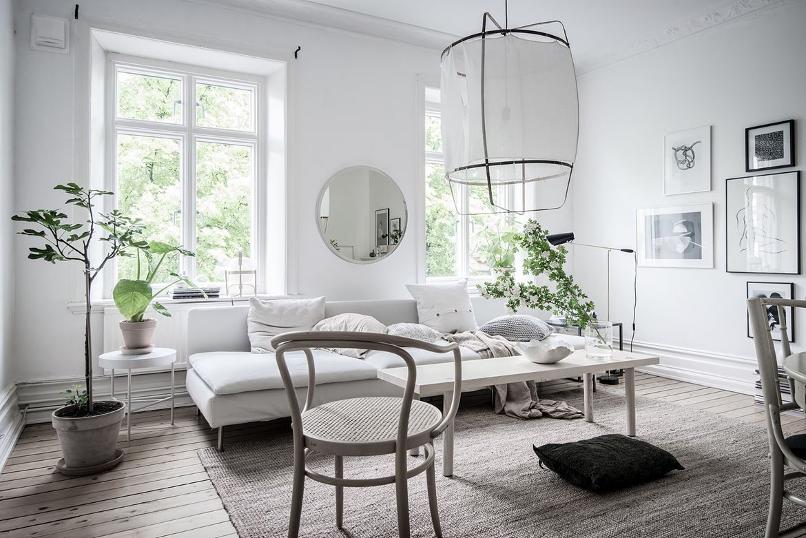White home with lots of green - COCO LAPINE DESIGNCOCO LAPINE DESIGN