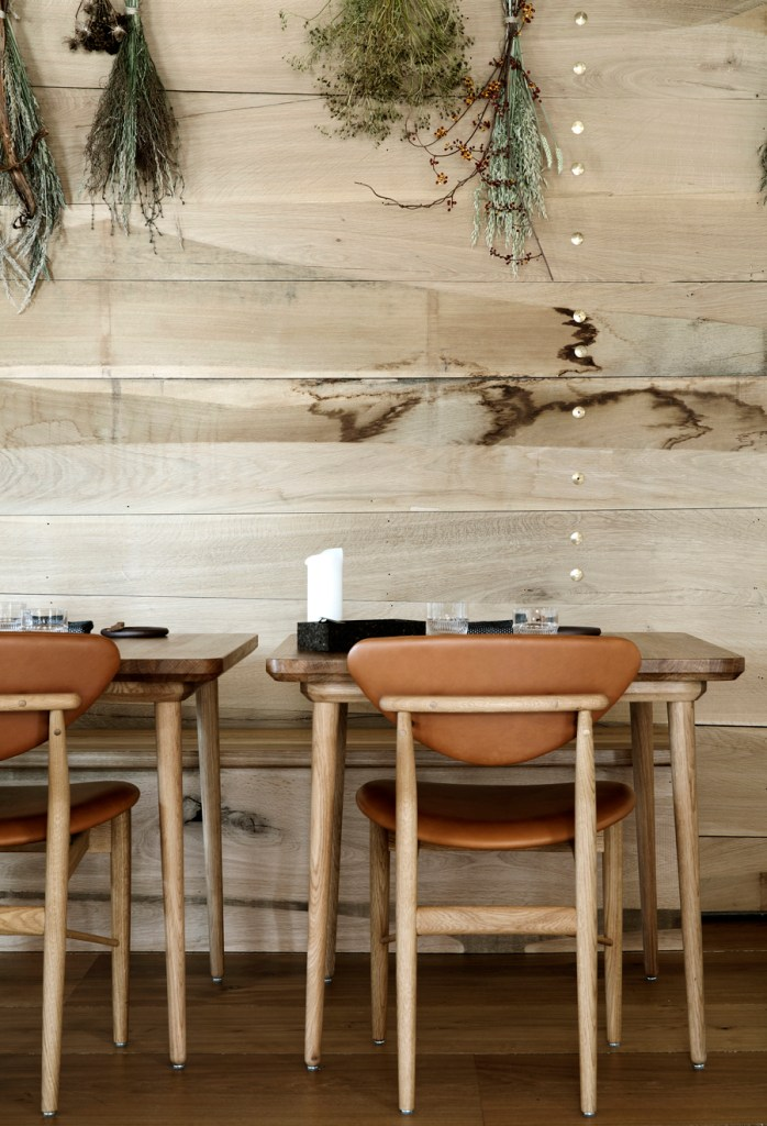 Restaurant Barr - via Coco Lapine Design blog