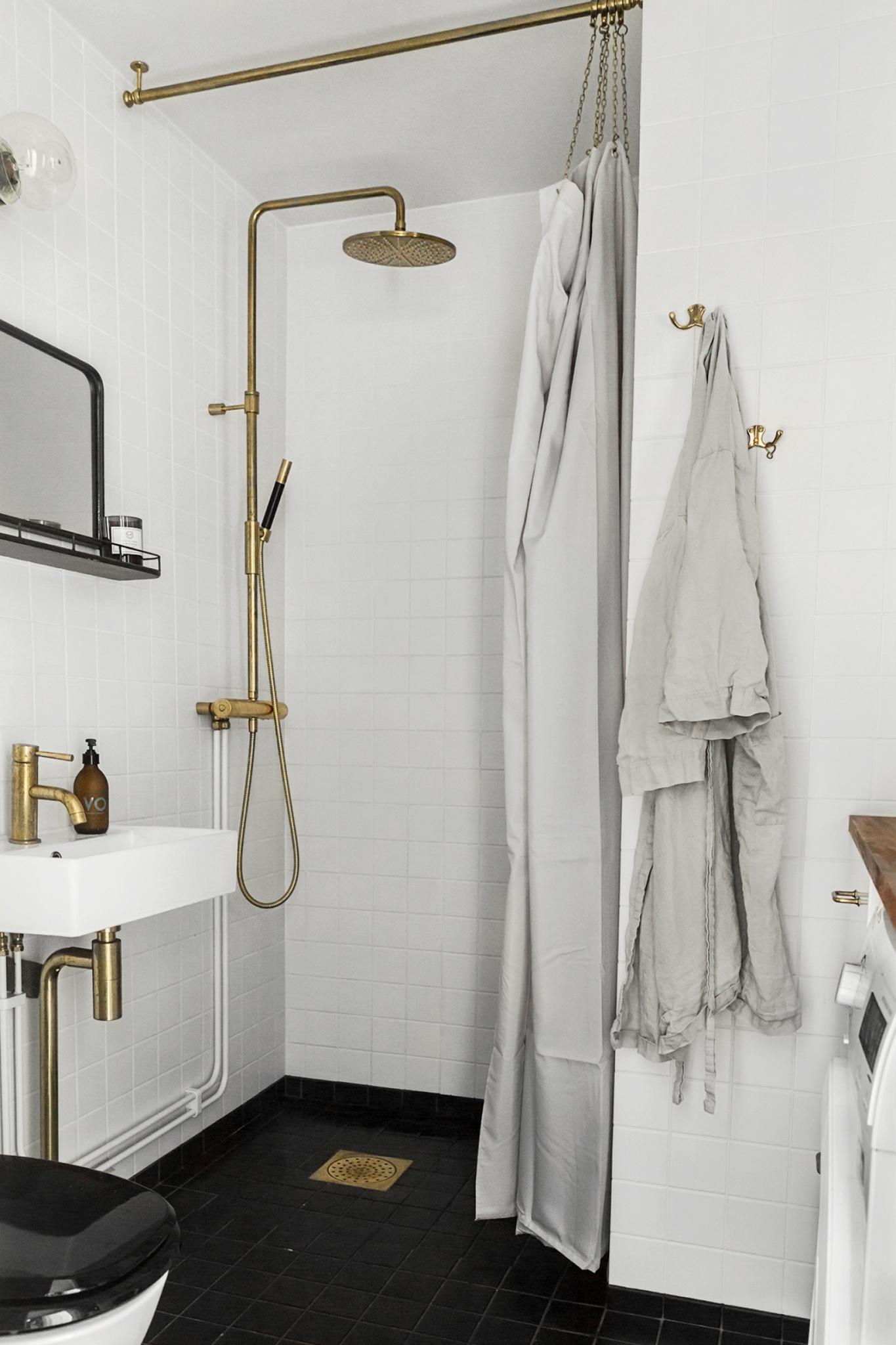 Marvelous Brass Bathroom Fittings   Via Coco Lapine Design Blog ...
