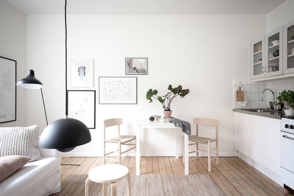 Simple home with a soft look - via Coco Lapine Design blog--1486960703-rszww1170-80