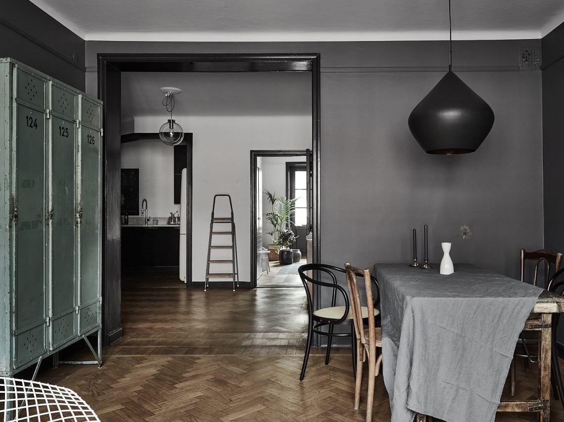 12 Dark interiors done right - via Coco Lapine Design blog