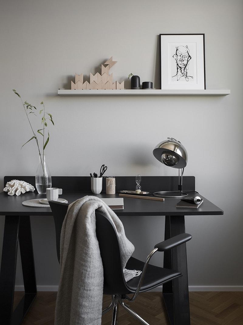 Inspiring dark office space - via Coco Lapine Design blog