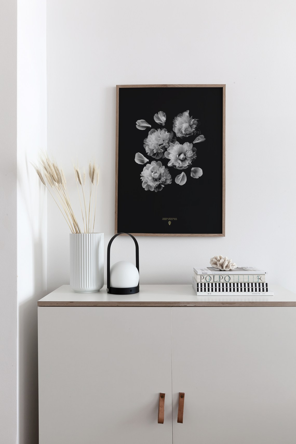'Paeonia Officinalis' print paired with beige - via Coco Lapine Design blog