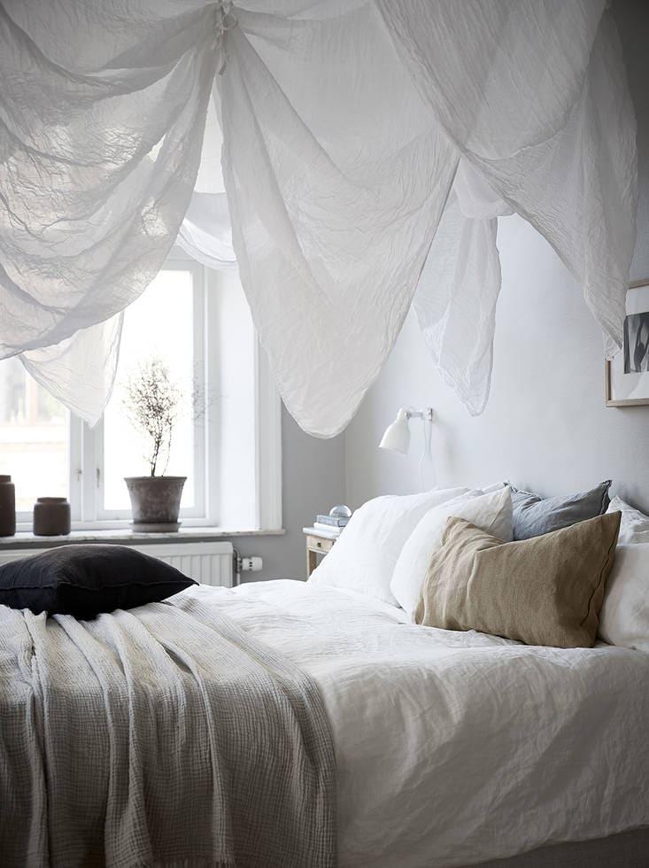 A cozy home with greige walls - via Coco Lapine Design blog