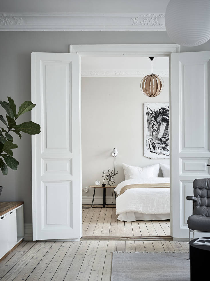 A cozy home with greige walls - COCO LAPINE DESIGNCOCO LAPINE DESIGN