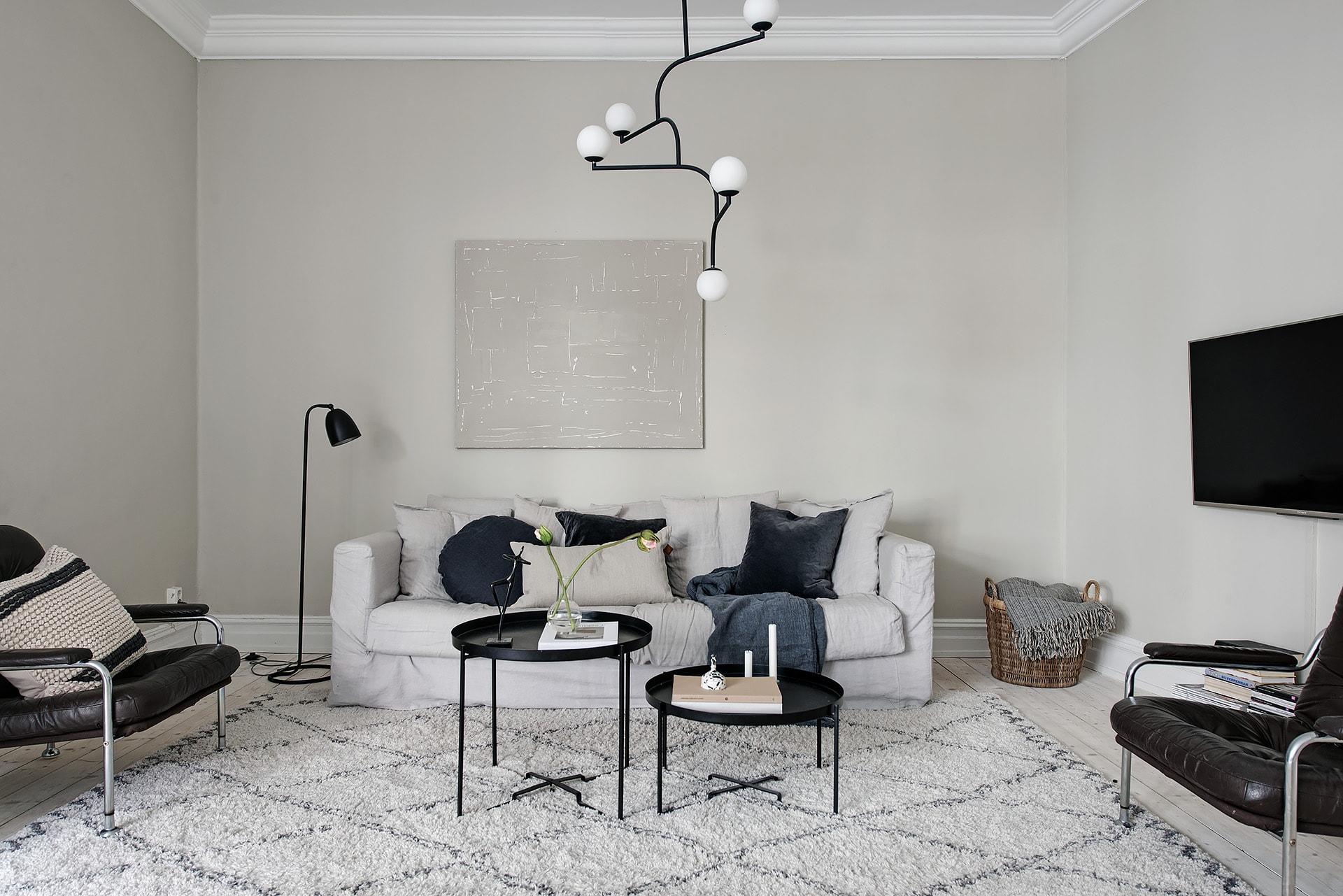 Stylish home in greige - COCO LAPINE DESIGNCOCO LAPINE DESIGN