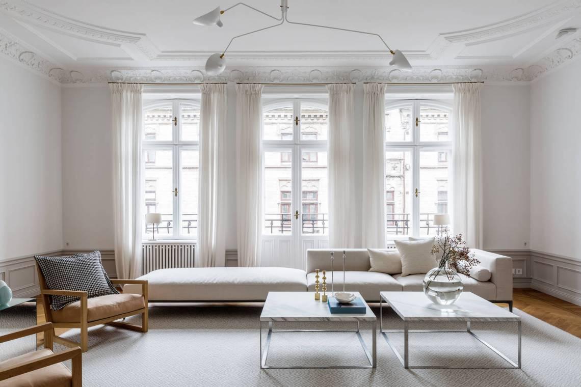 Majestical living room - via Coco Lapine Design blog