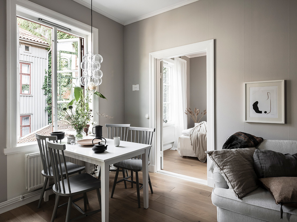 This Entire Home Is Painted In The Softst Greige (a Combination Of Grey And  Beige) For A Very Warm And Cozy Effect. Both The Bedroom And Living Room  Look ...