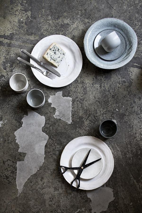 Concrete kitchen styling - via Coco Lapine Design blog