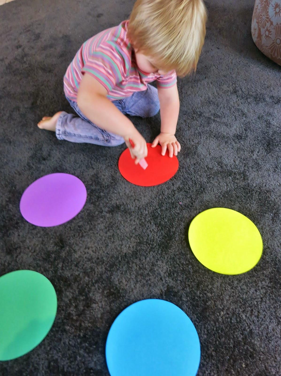 çocuklar Için Eğitici Etkinlik Renk Kavramını Ve Kaba Motor