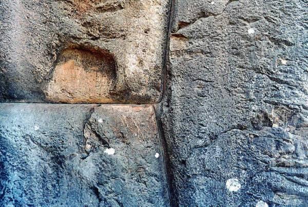 Sacsayhuaman: Detalles increíbles como se ve en los sitios antiguos tales como Ollantaytambo, Machu Picchu.
