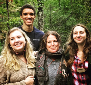 """Tori Hinshaw, C'19, Chris Murphree, C'16, Margo Shea, and Margaret Stapleton, C'18, at the National Council on Public History """"Outside History"""" conference"""