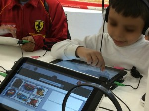 (Foto 9: Espaço de divulgação dos livros didáticos e áudio-livros adotados pelo sistema de educação do México)