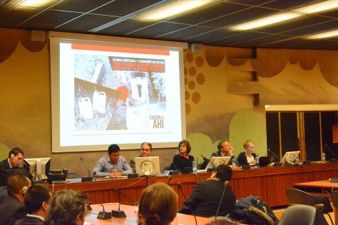 Guillermo Murcia, sobreviviente de MAP, durante su exposición ante las autoridades colombianas en las sesiones paralelas a la 14ª Reunión de Estados parte de la Convención. Foto ICBL