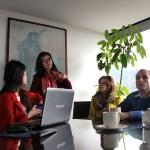 Miembros del equipo de la CCCM y de la Universidad Jorge Tadeo Lozano en una reunión sobre los avances del proyecto