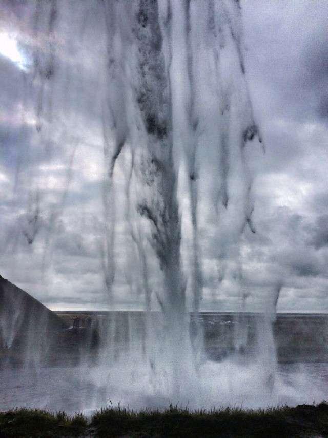 Der Wasserfall, unter dem man durch gehen kann