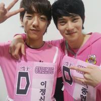 [Pic | Trans] 130128 'Tom&Jerry' Bros Lee Jonghyun & Lee Jungshin Tweet Cute Selca