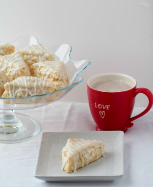 Vanilla-Bean-Scones-Starbucks-Copy-Cat-recipe are a delightful breakfast or tea time treat infused with plenty of sweet vanilla flavor.