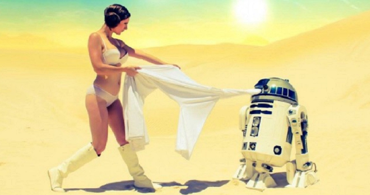 9 Pictures of R2D2 Getting Naughty With Leia In The Deserts Of Tattoine!