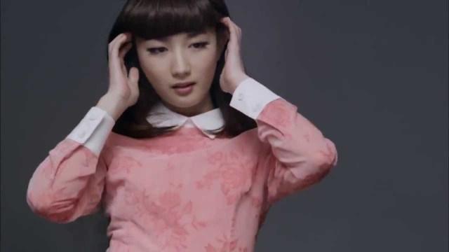 武田梨奈が出演するクレディセゾンのCM「頭は使いよう。カードも使いよう。」篇