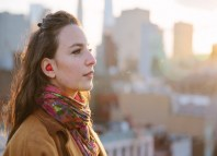 frances italiano pilot auricular traductor por voz