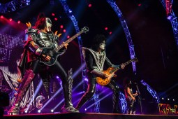 Photos | KISS @ Rogers Arena   July 6th 2013 Concert Addicts