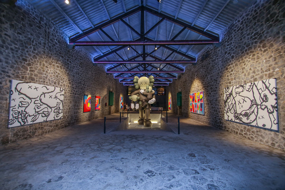 kaws-ibiza-exhibition-001-960x640