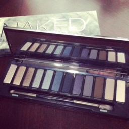 urban-decay-naked-smoky-eyeshadow-palette